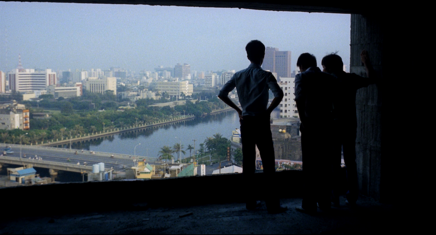 (4) Feng gui lai de ren [The Boys from Fengkuei] (Hou Hsiao-Hsien, 1983)