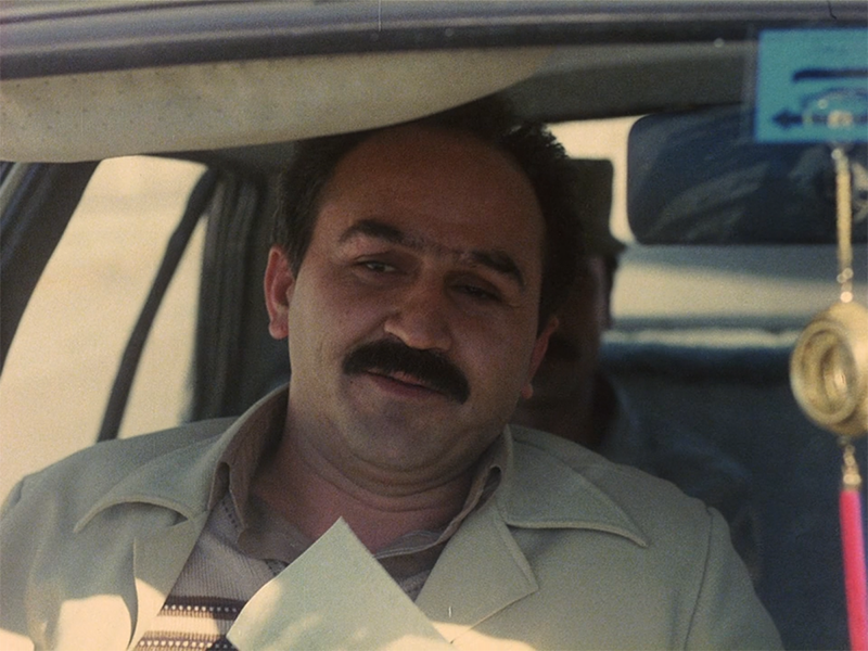 (3) Hassan Farazmand in Nema-ye nazdik [Close-Up] (Abbas Kiarostami, 1990)