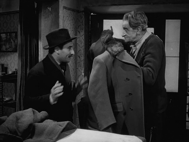 (3)  Il cappotto [The Overcoat] (Alberto Lattuada, 1952)
