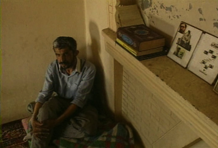 (5) Close-Up Long Shot (Mamhoud Chokrollahi & Moslem Mansouri, 1996)