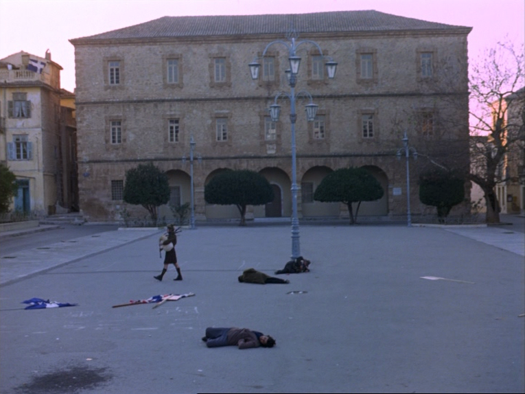 (3) O thiasos [The Travelling Players] (Theodoros Angelopoulos, 1975)