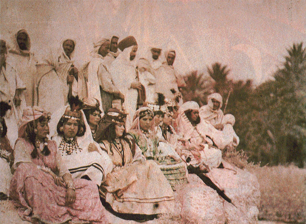 (3) The Zerda or the Songs of Oblivion (Assia Djebar, 1978-1982); Young girls from Tlemcen. Groups from Biskra. First autochromes, 1922