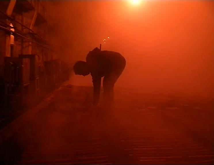 (1) Tiexi qu [West of the Tracks] (Wang Bing, 2002)